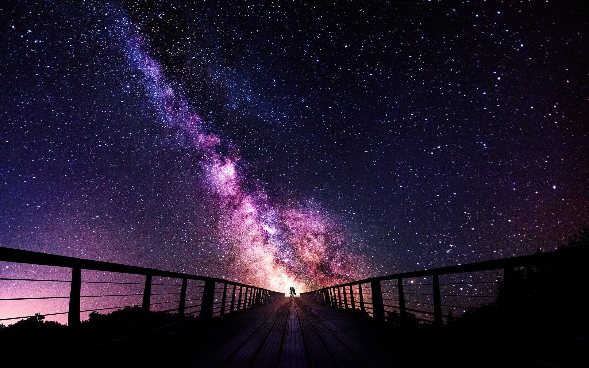 только картинки со звездным небом и надпись я тебя найду толпа идёт толпой